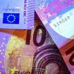 Как могат да повлияят на еврото PMIs и срещата на ЕС?