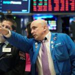 Dow Jones загуби 710 пункта, а Nasdaq стопира 8-дневното рали